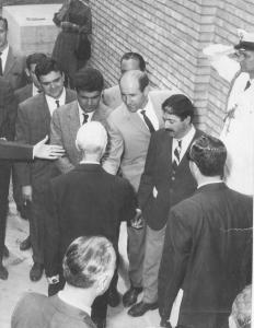 Bienal de Venecia, 1960. Enrique Gran representando a España. Recepción con el Presidente de la República Italiana.