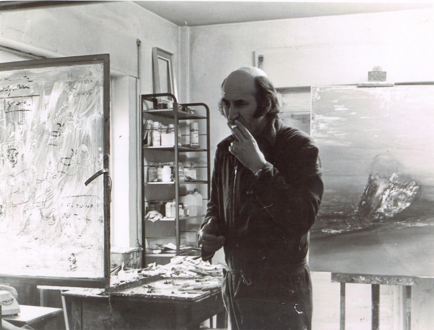 Jornada de trabajo en su estudio de Parque San Juan Bautista, en la obra El coloso de las mutaciones. Madrid 1975.
